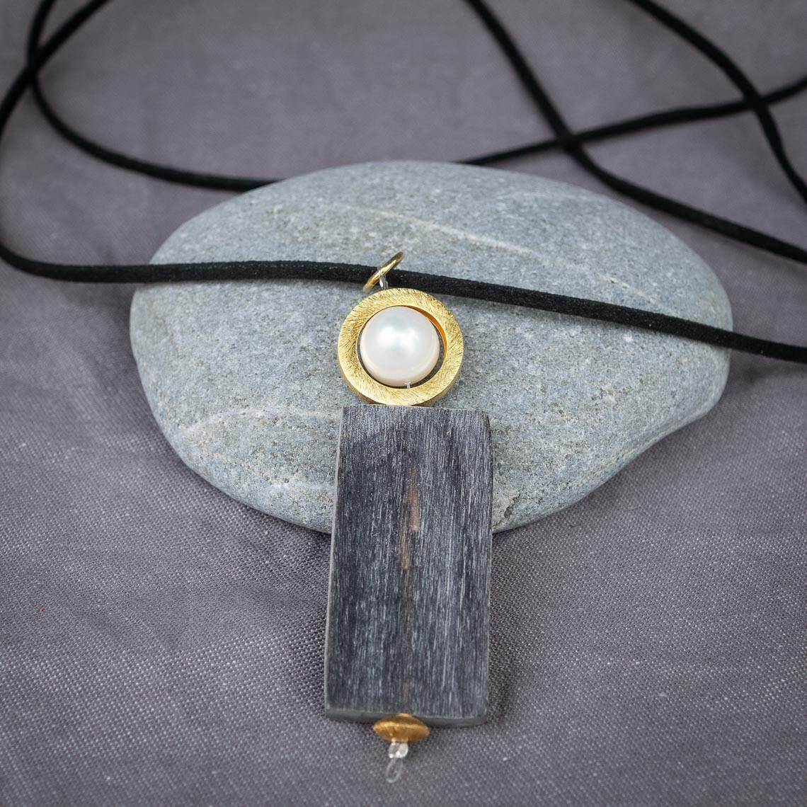 Workshop Schmuck Aufgezogen Perlen aufziehen Inividuell Individualschmuck Halskette